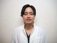 歯科医師 初瀬 毅俊